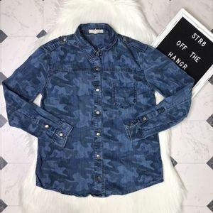 life in progress blue camo button down shirt sz XS
